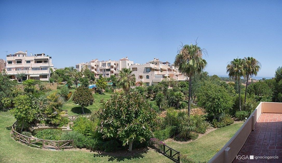 Vistas al jardín y mar Mediterráneo